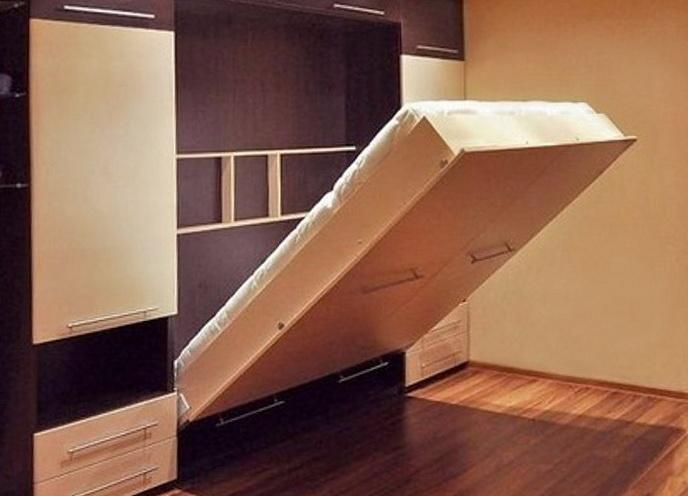 Потайная кровать и другие возможные решения для маленькой комнаты