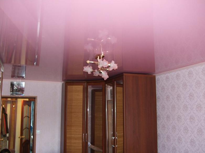 Глянцевый натяжной потолок купить в Челябинске недорого